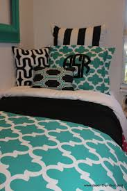 Dorm Bedding Decor 1000 Ideas About Teal Dorm Rooms On Pinterest Coral Dorm Dorm