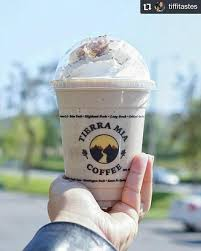 The latter is my favorite offering, featuring a coffee base, distinct sweetened rice milk (horchata) flavor. Tierra Mia Coffee Los Angeles Ca 2021