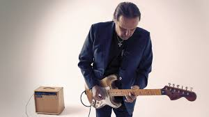 <b>Walter Trout</b> Returns From The Edge Of Oblivion With 'Battle Scars ...