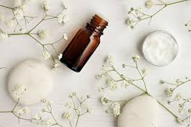 Aromatherapy Is A Perennial Wellness Trend -- But Buyer Beware | HuffPost  Life