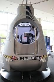 Faszination Raumfahrt Austellung Der Orginal Kapsel Des Red Bull