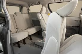 2016 toyota sienna le rear seats picture