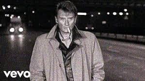 <b>Johnny Hallyday</b> - <b>Les</b> vautours - YouTube