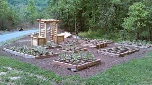 save space with square foot gardening