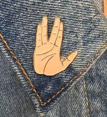 Star Trek Bathroom Accessories Vulcan Salute Spock Hand Pin Soft Enamel Pin Art Jewelry