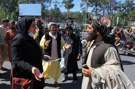 أفغانستان: إعلان وشيك لتشكيلة حكومة طالبان ومظاهرات نسائية للمطالبة بحق  العمل