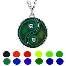 Details About Yin Yang Sensitive Liquid Gem Thermo Mood Changing Color Pendant Necklace Gift