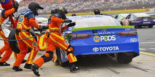the surprising level of fitness needed to make it as a nascar pit crew member fitness workouts