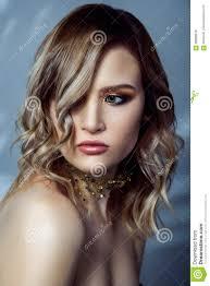 Schoonheidsportret Van Mooie Mannequin Met Make Up Gekleurde