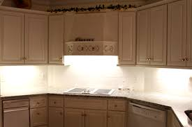 beeindruckend under cupboard kitchen lighting awesome inspiration cabinet intended for cabinets lights por gallery