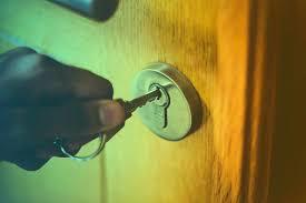 unlock bathroom door with hole how to pick a lock with pocket knife open locked door