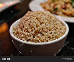 cooked brown rice in a bowl. Modren Cooked Cooked Brown Rice A Bowl Of Long Grained Steamed And Brown Rice In Bowl