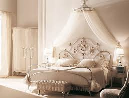 romantic canopy bed traditional-bedroom