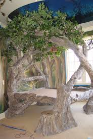 now there is a tree bed. a glorious tree bed at that. hang me