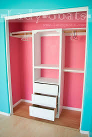 Lady Goats - DIY closet tower with drawers