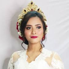 add to board balinese style prewedding by yuka makeup artist 001