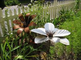 metal flower garden stakes decor of metal garden flowers outdoor decor 1000 images about