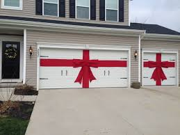 diy red burlap ribbon and bow for decor for garage doors exterior decor no sew just hot glue and burlap fabric