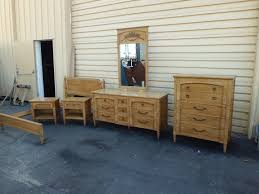 thomasville bedroom furniture 1980s. Thomasville Buffet Sideboard Bedroom Furniture 1980s Dining Room Set Reviews Signature Awesome Modern For First Impressions