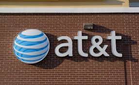 an investor and at t customer claims the wireless carrier aided the hacker who stole from him