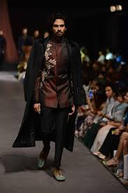 Manish Malhotra Mens Designs Manish Malhotra Gets Candid With Mumbais Groomingguru