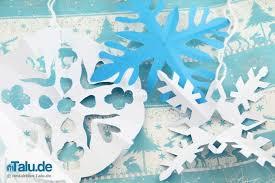 Schneeflocken Aus Papier Basteln Scherenschnitt Anleitung