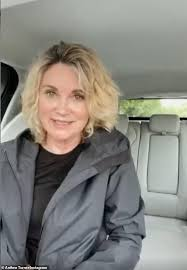 Tv and radio presenter anthea turner has revealed her absolute joy after mark armstrong asked her to be his wife. Anthea Turner 60 Reveals She Has Been Tested For Covid 19 After Falling Ill Healthyfrog