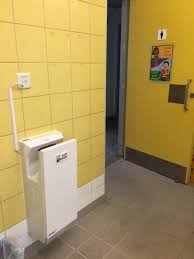 2016 upgrade of changing rooms of swimming pool