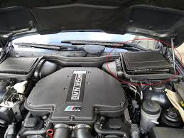 bmw e39 m5 wipers stopped working not working relay problem page to remove the air box you need to pop off the air filter lid metal clip no screws and un clip the oval vent on the left hand side of the box by