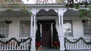 decoration: Captivating White House Applying Black Door With Green Red  Front Porch Christmas Decorations Themes
