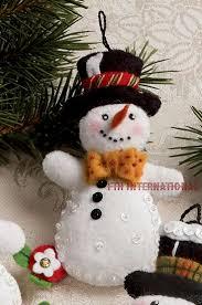 Bucilla Let It Snowman 6 Piece Felt Christmas Ornament Kit 86186 Frosty  Lady   eBay