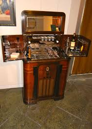 1930s American Art Deco Radiobar Radio And Bar In One