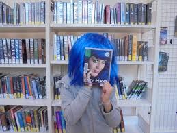 le Book Face - Page 2 Images?q=tbn:ANd9GcTOhnt_n4y5TkrV0rNTnUhtHQKsWa43j9v9dBKgbCMhAUzogigpTg