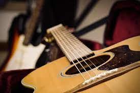Gitar merupakan contoh alat musik melodis foto: 19 Alat Musik Harmonis Contoh Dan Penjelasan Lengkap