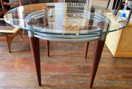 Art-Deco-Style-Round-Glass-Kitchen-Dining-Table