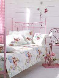 Small Pink Bedroom Bedroom Shabby Chic Small Bedroom Ideas For Teenage With Pink