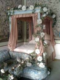 fairy tale bedroom, think I'd change the colours though