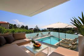 A2 Designed Apartment With Swimming Pool Near The Beach