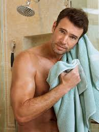 Scandal\u0027s Scott Foley Goes Shirtless in Bed, Poses in Just a Towel ...