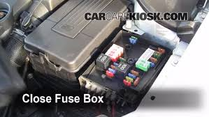 replace a fuse 2006 2009 volkswagen rabbit 2008 volkswagen 6 replace cover secure the cover and test component