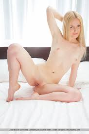 Small blonde pics naked