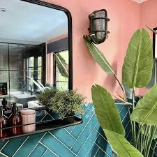 For this small apartment bathroom, the heating pipe was used as part of the decor. 50 Small Bathroom Shower Ideas Increase Space Design Ideas Industville