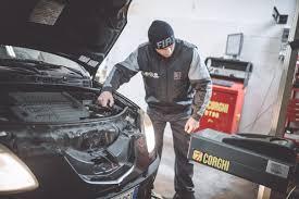 Revisione auto e camper: scopri i nostri servizi - Officine 21