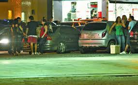 Resultado de imagem para carro com som automotivo irrita homem e chama a policia