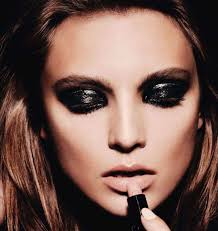 best makeup for black dress photo 1