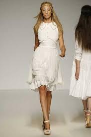 Te dejo una gama de tres modelos de Vestidos alma aguilar con el fin de que veas tan lindos estilos y te veas muy hermosa y segura. - Vestidos-alma-aguilar-5