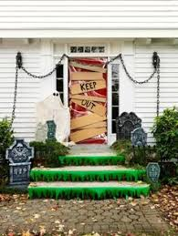 Fun Halloween Decorations awesome halloween decorations When you're young  and living in an apartment