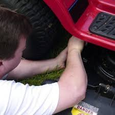 Troubleshooting a Riding Lawn Mower That Won't Start   ThriftyFun
