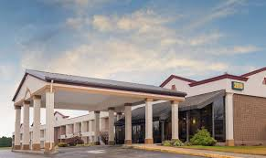 exterior view red roof inn suites westampton