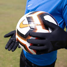Nike Youth Hyperwarm Field Player Soccer Gloves Size Chart